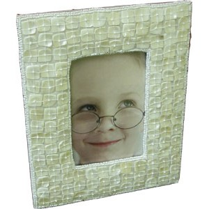https://brass4u.com/762-556-thickbox/picture-frames-with-shell-beads.jpg